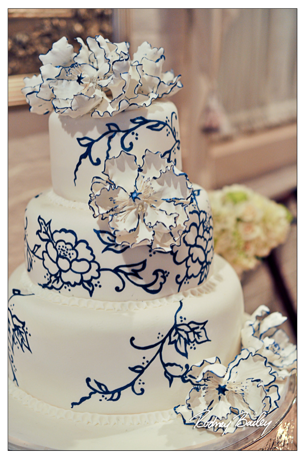 Selecting a Wedding Cake in DC, VA and MD wedding cake blue and white floral washington dc wedding cake artist