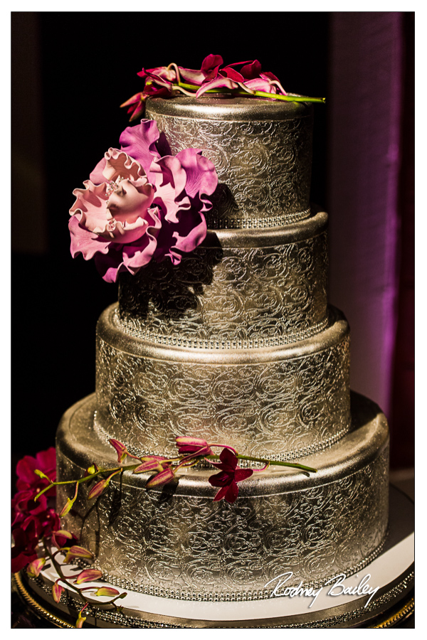 Selecting a Wedding Cake in DC, VA and MD Fluffy Thoughts Wedding Cakes Silver Cakes Washington DC Wedding Rodney Bailey Photography